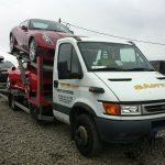 Transport masini noi pe plaformă